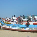 Consegna delle nuove barche al capo-villaggio