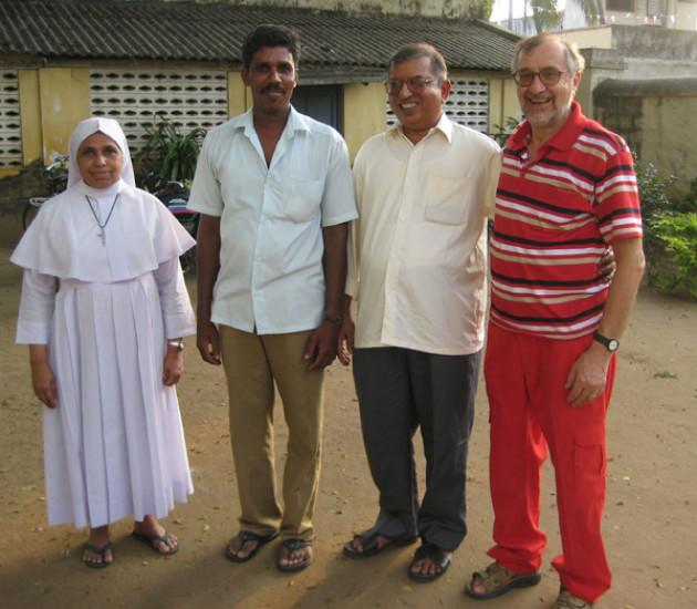 Da sinistra: Sister Lima Rose, Driver, Padre Karikatt e Mino Dellapiana